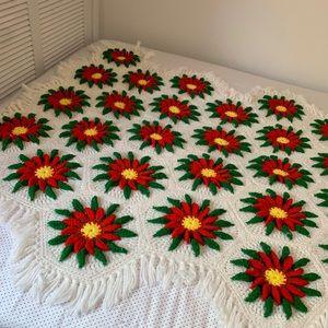 Vintage Bedding - Vintage Poinsettia Crochet Knit Blanket Throw